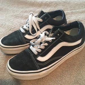 Vans old skool shoes w 10.5